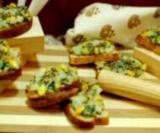 corn-and-spinach-crostini