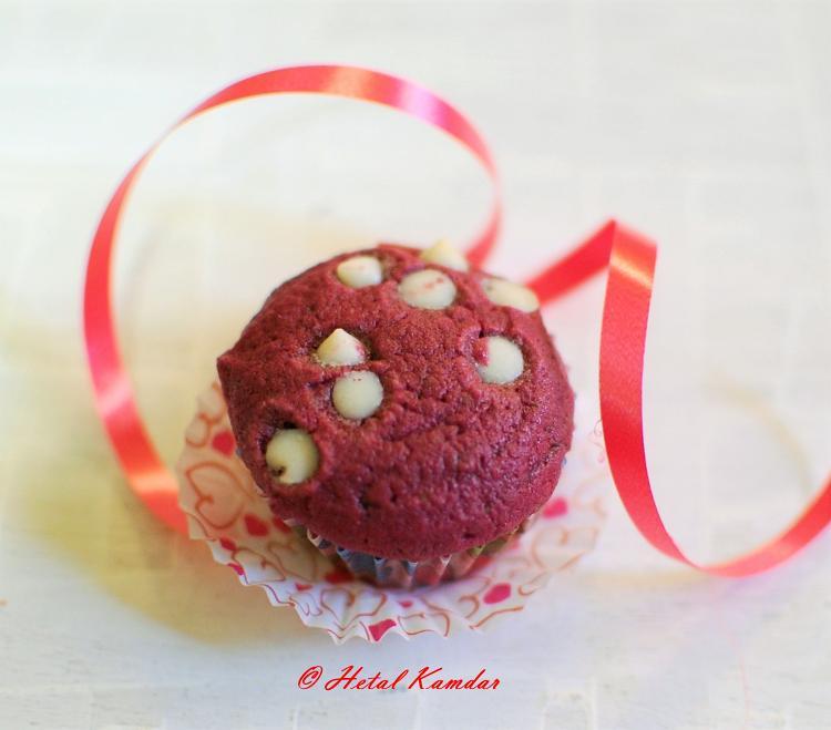 eggless-red-velvet-muffins