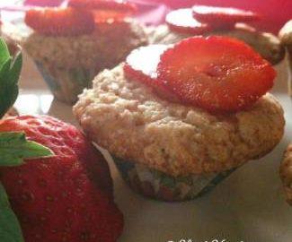 fresh-strawberry-muffins
