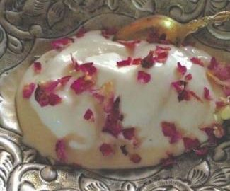 creamy-coconut-and-rose-shrikhand