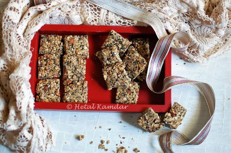 roasted-almond-and-oats-chikki