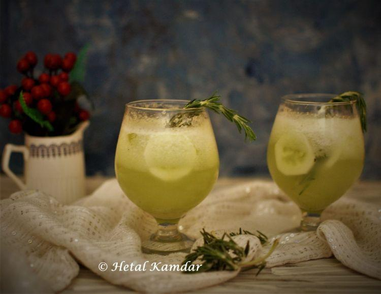 lemonade-with-rosemay-infused-cucumber