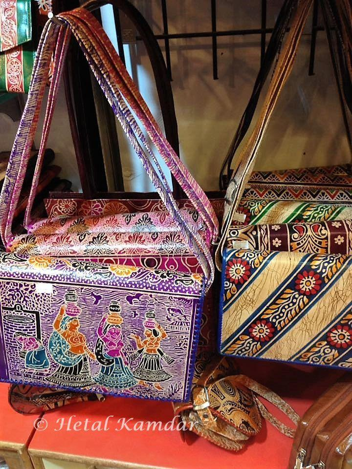 Leather-purses-Matheran