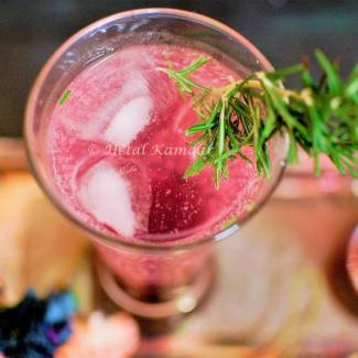 blueberry-cooler-with-fresh-rosemary