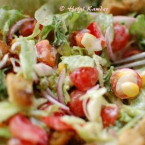 fresh-salad-with-zaatar