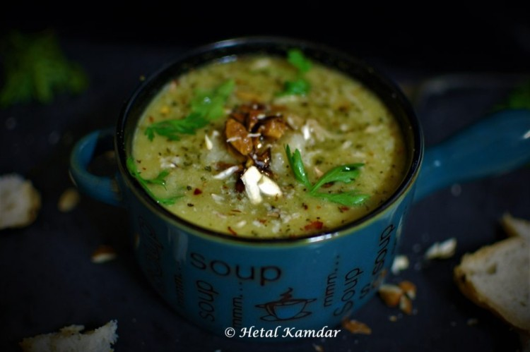 broccoli-soup-with-almonds