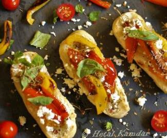 bruschetta-with-cottage-cheese-and-bell-pepper