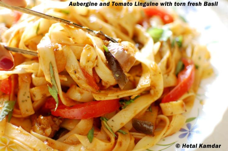 linguine-pasta-with-aubergine-and-tomatoes