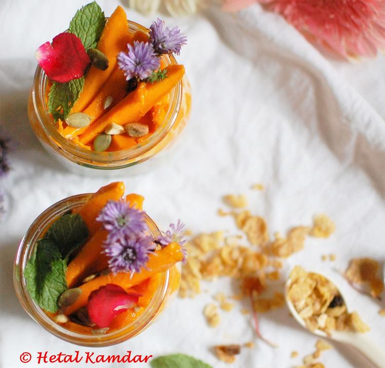 overnight-oats-with-mangoes