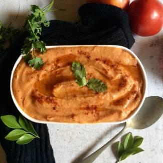 smoky-tomato-garlic-hummus