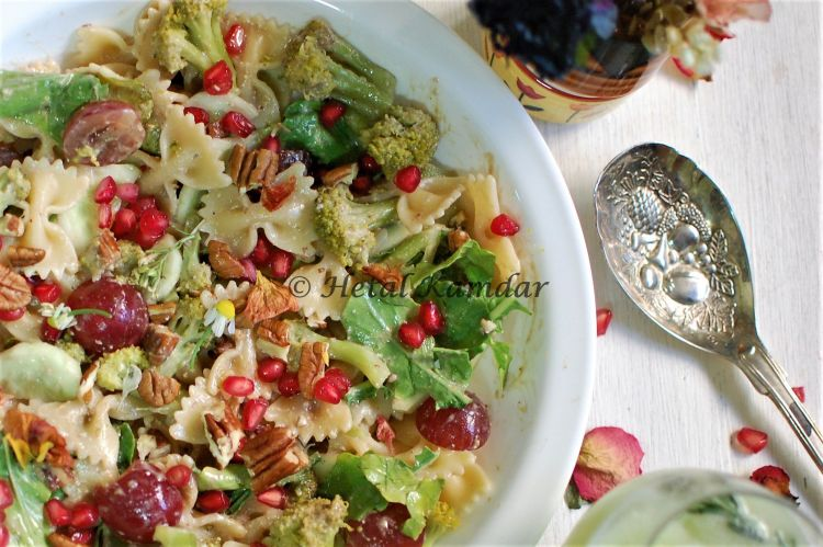 veg-pasta-with-fruit-salad