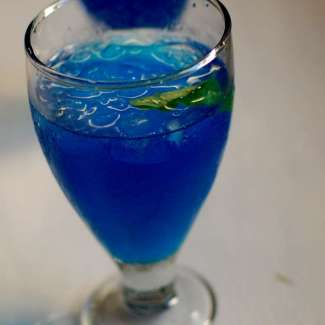 blue-bonkers-cocktail