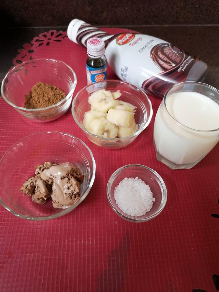 Chocolate-Banana-Milkshake-Step-By-Step-3