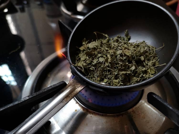 Roasting kasuri methi for Paneer Butter Masala Recipe