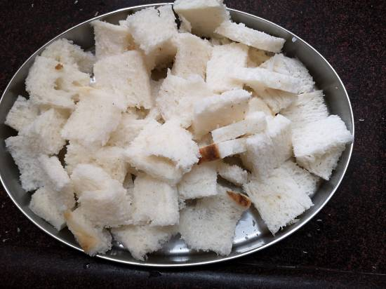 South Indian Tadka | sprinkling water on bread for bread upma recipe