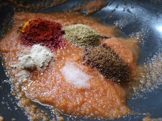 spices for chole recipe, punjabi chole recipe