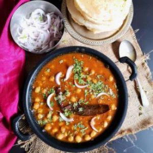 close up view of chole bhatura recipe