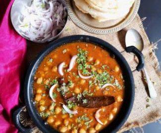 close up view of chole bhatura recipe