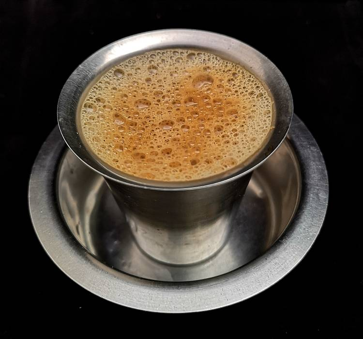 Traditional South Indian Filter Coffee Recipe / filter coffee recipe | filter kaapi recipe | south indian filter coffee