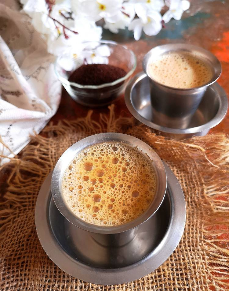 Hot and Frothy Filter Coffee | Filter Kaapi | Meter Coffee served in Dabarah
