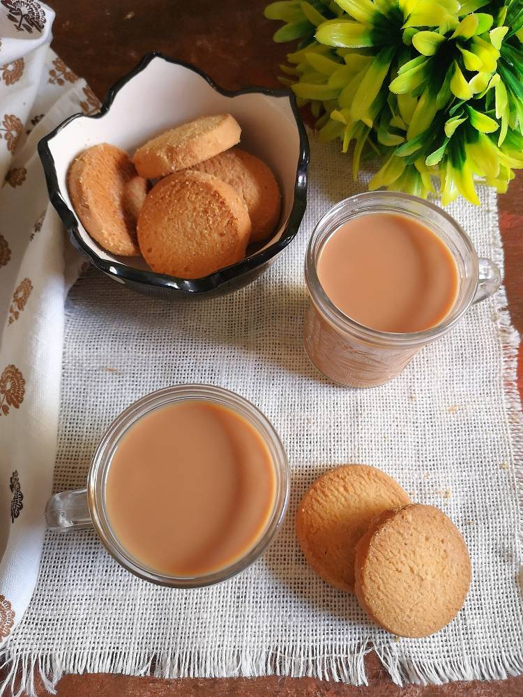 ginger tea recipe | adrak wali chai recipe | served with butter cookies