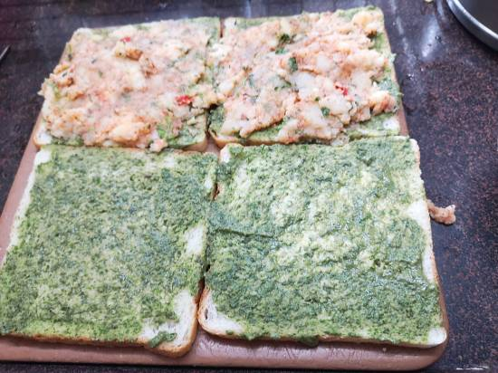 stuffing bread slices with butter, coriander chutney, masala aloo