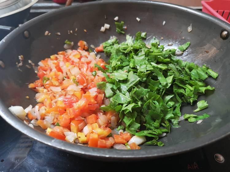how to make palak paneer bhurji / recipe of paneer palak bhurjee