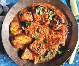 Top view of tawa paneer recipe