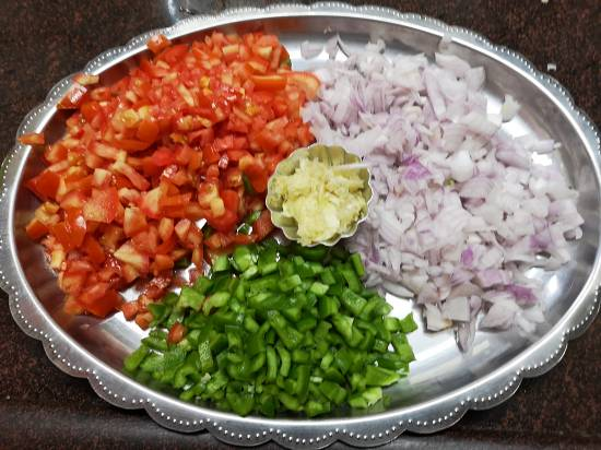 chopped Onions, capsicums and tomatoes for Pav Bhaji Recipe