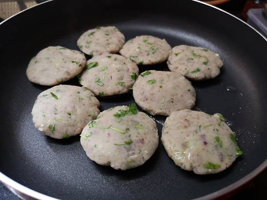 frying tikkis for sweet potato tikkis recipe