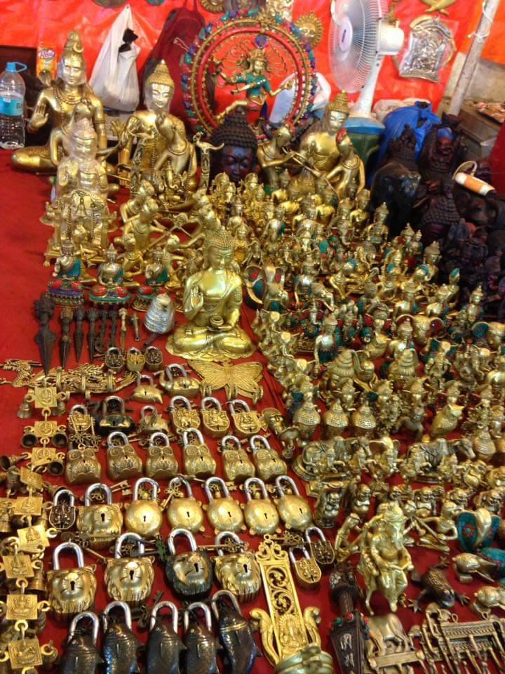 Tibetan market in goa / shopping in north goa / shopping at tibetan market in north goa / goa shopping places for souveirs