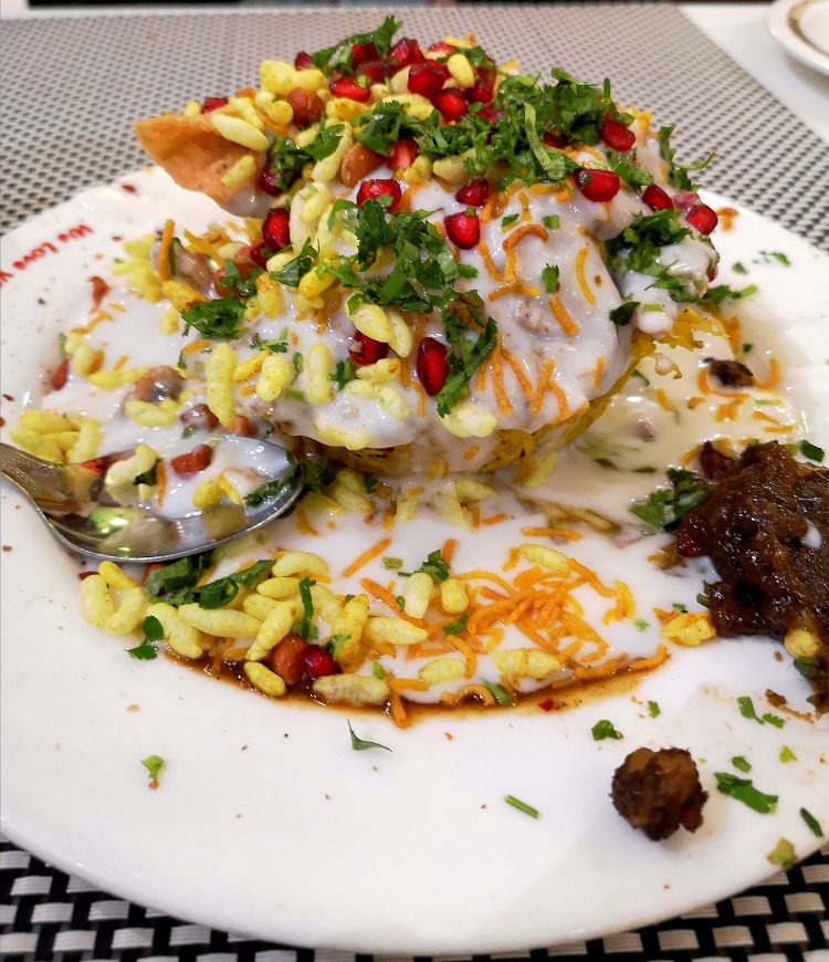 Royal Cafe in Lucknow, Foodies guide to Lucknow, Basket Chaat at Royal Cage, Hazratganj