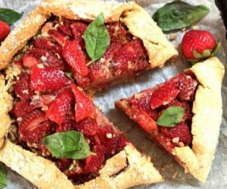 Strawberry Oats Crumble Galette, Easy Recipe of French Tart made with strawberries