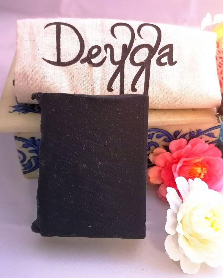 Deyga, charcoal bath bar