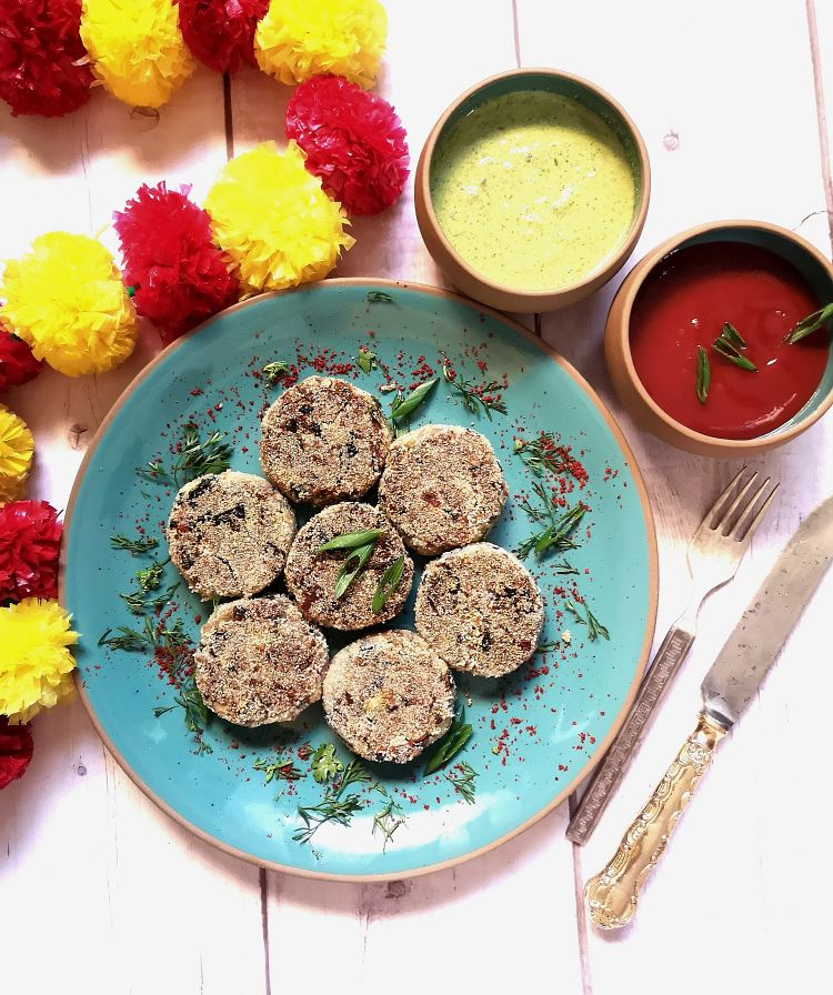 Mushroom Cutlets served with chutney and ketchup, recipe of mushroom cutlets
