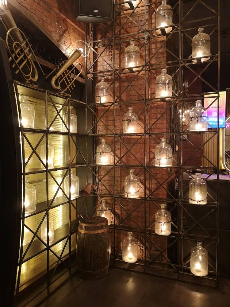 Barrel & Co, night club at Andheri