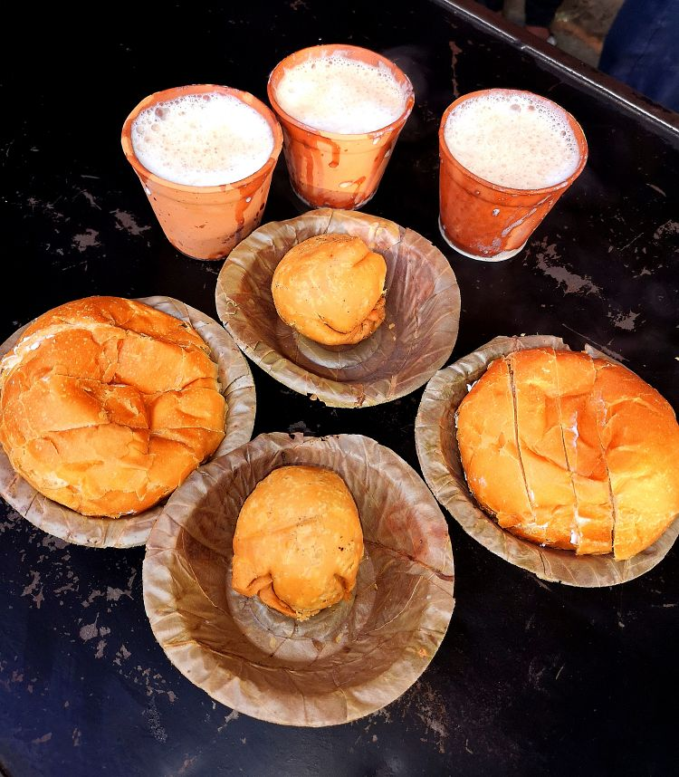Foodies guide in Lucknow, Where to eat in Lucknow, Sharma Ji Ki Chai in Lucknow