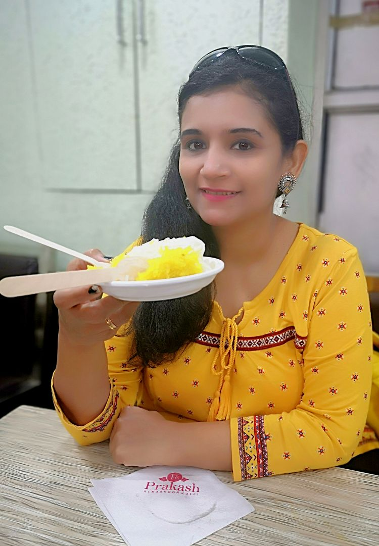 Foodies guide in Lucknow, Where to eat in Lucknow, Prakash ki Kulfi at Aminabad Lucknow