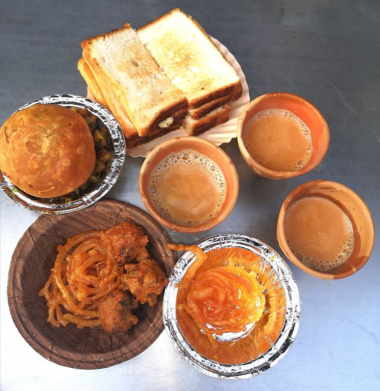 Foodies guide in Lucknow, Where to eat in Lucknow, Prem Tea Point in Lucknow