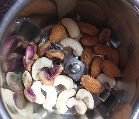 dry fruits for mango matka kulfi