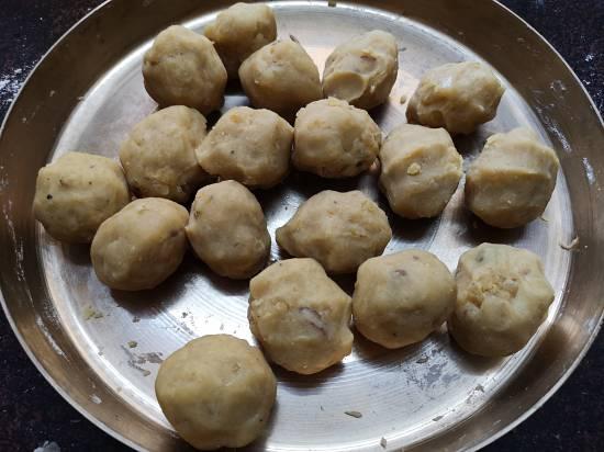 making small balls for puran poli