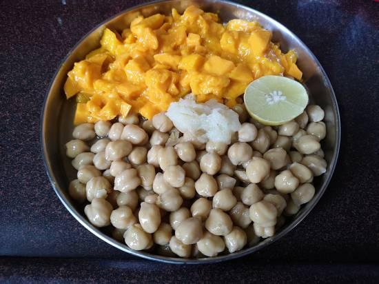 Ingredients for Hummus