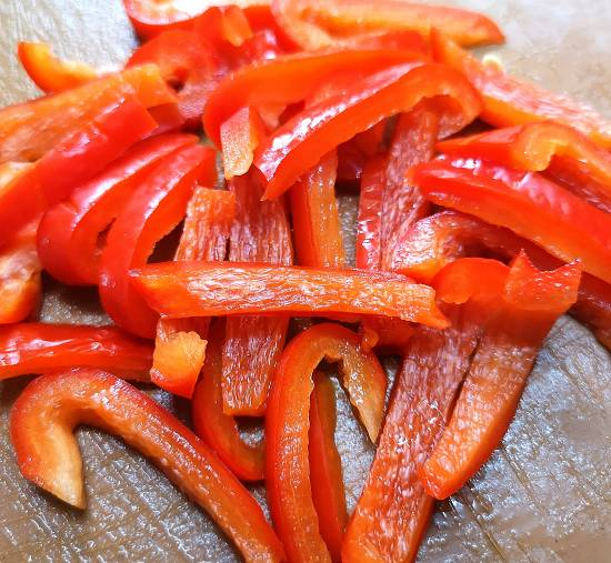 sliced Red Bell Pepper into thin strips for Japanese Yasai Salad